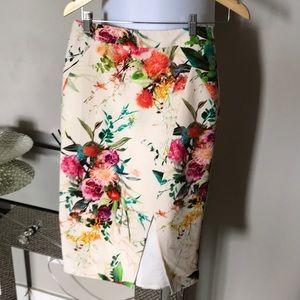 Dresses & Skirts - Floral Skirt US 4